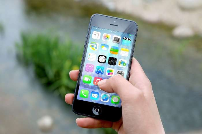mobile linked to Aadhaar